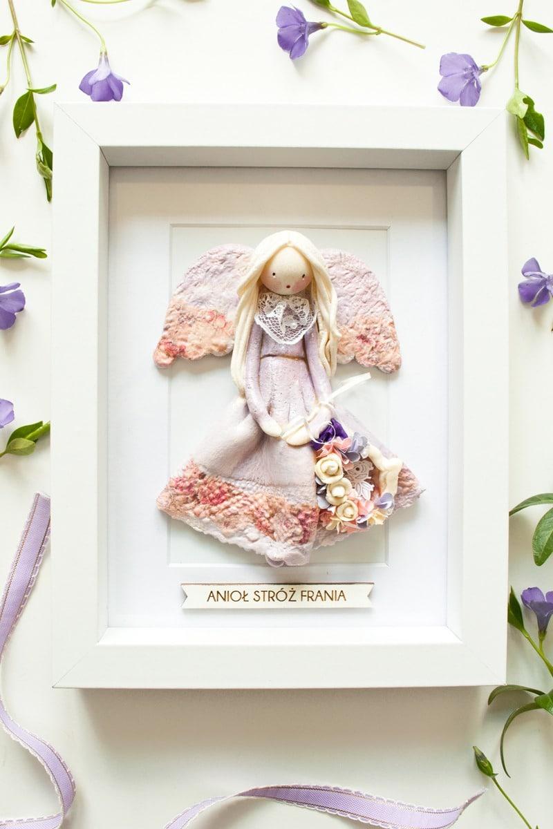 Aniołek w ramce personalizowany na prezentna Chrzest Komunię